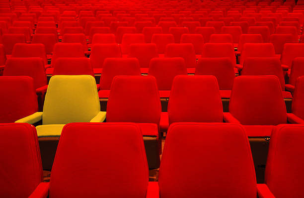 Red seats and one different:スマホ壁紙(壁紙.com)