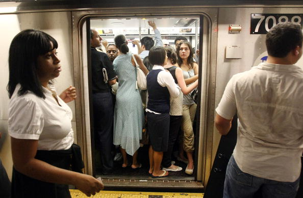 Crowd「Thousands Stranded By Rain Induced NYC Subway Delays」:写真・画像(16)[壁紙.com]