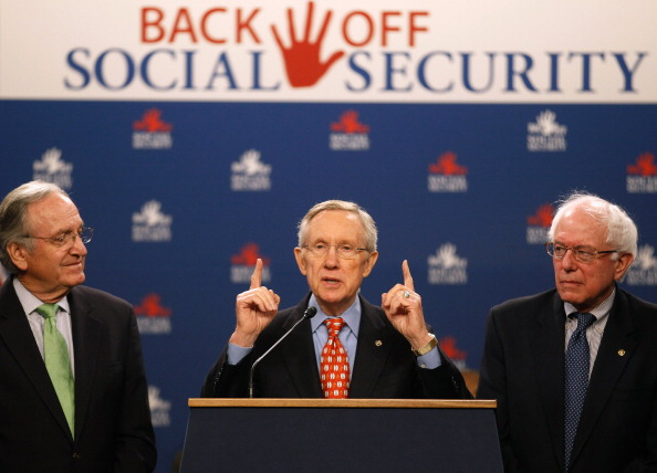 Social Services「Senate Democrats Hold Briefing On GOP Attack On Social Security」:写真・画像(16)[壁紙.com]