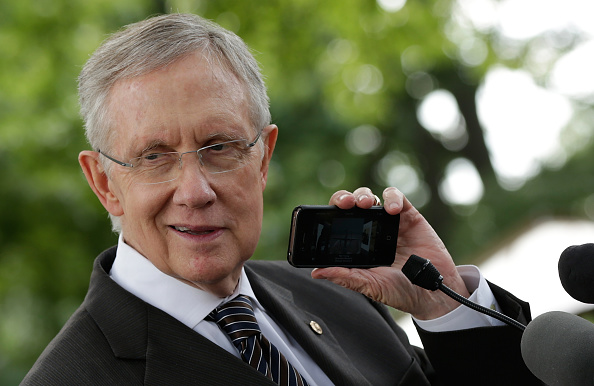 Conference Phone「Harry Reid, Nat'l Farmers Union, Neil Young Voice Support For 5-Year Farm Bill」:写真・画像(18)[壁紙.com]
