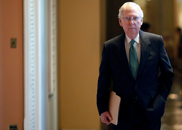 Mitch McConnell「Senators Await FBI Report On Supreme Court Nominee Brett Kavanaugh」:写真・画像(12)[壁紙.com]