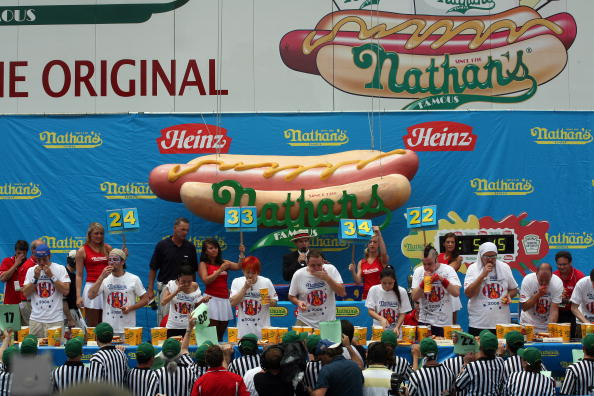 Michael Nagle「Nathan's Hot Dog Eating Contest Features Re-Match Of Champions」:写真・画像(18)[壁紙.com]