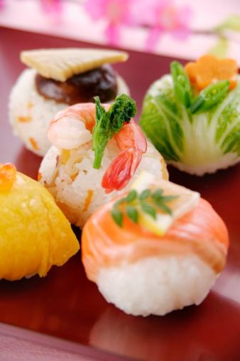 ひな祭り「Sushi balls」:スマホ壁紙(5)