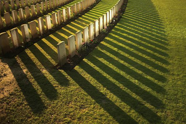 Grave「Flanders Fields 100 Years Since The Great War」:写真・画像(4)[壁紙.com]
