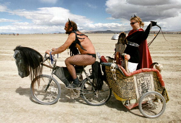 伝統的な祭り「Burning Man Festival in Nevada Desert」:写真・画像(10)[壁紙.com]