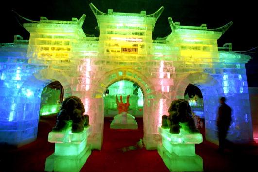 Ice Sculpture「Ice Lantern Exhibition 2002 in Beijing」:写真・画像(9)[壁紙.com]