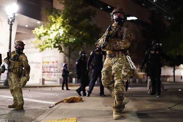 Oregon - US State「Feds Attempt To Intervene After Weeks Of Violent Protests In Portland」:写真・画像(13)[壁紙.com]
