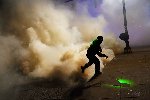 Nathan Howard「Feds Attempt To Intervene After Weeks Of Violent Protests In Portland」:写真・画像(10)[壁紙.com]