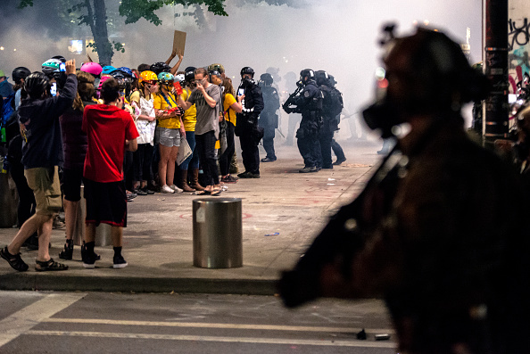 Oregon - US State「Feds Attempt To Intervene After Weeks Of Violent Protests In Portland」:写真・画像(7)[壁紙.com]