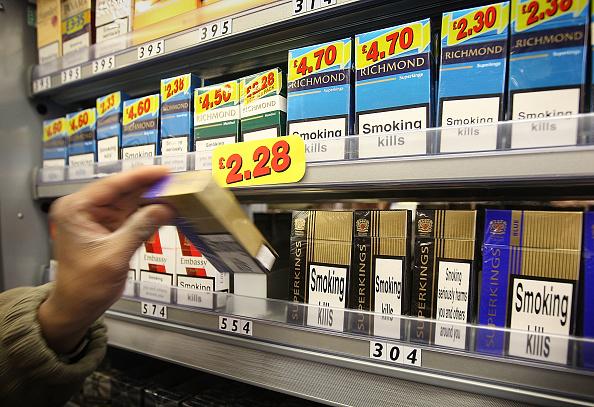 Corner「Government Plans Ban On Cigarette Shop Displays」:写真・画像(4)[壁紙.com]