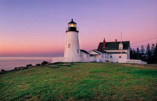 A Helping Hand「Early dawn view of the lighthouse at Pemaquid Point」:スマホ壁紙(3)