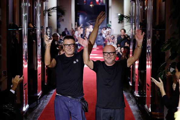 ファッション「Dolce & Gabbana Secret Show At Bar Martini - Runway - Milan Fashion Week SS 2018」:写真・画像(17)[壁紙.com]