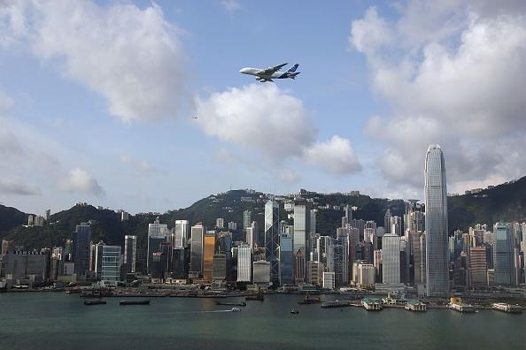 Airbus A380「Airbus A380  Flyover Hong Kong Victoria Harbour」:写真・画像(16)[壁紙.com]