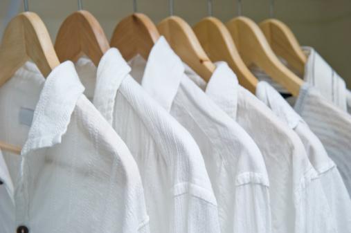 Formalwear「Closet With White Shirts」:スマホ壁紙(7)