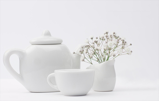 Teapot「Teapot, teacup and milk jug with flowers」:スマホ壁紙(2)