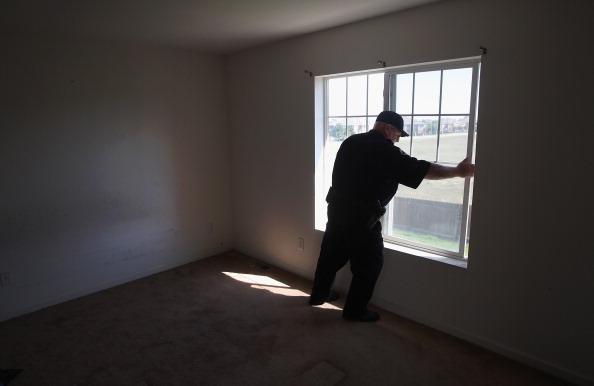 Bedroom「Families Lose Homes As Weak Economy, Housing Crisis Drags On」:写真・画像(2)[壁紙.com]