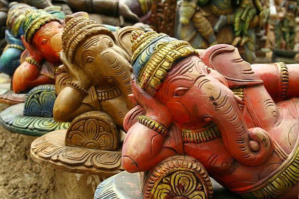 Sculptures of Hindu elephant-faced deity Ganesha:スマホ壁紙(壁紙.com)