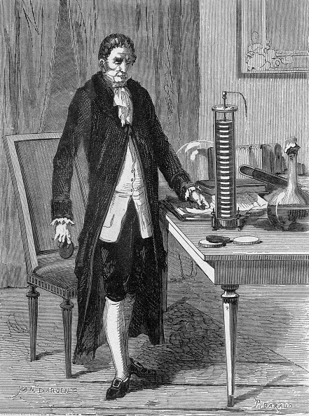 """Power Supply「Count Alessandro Volta (1745 - 1827) Italian physicist invented the electro motor or the electric battery in 1799 to burn Yan Dargent from the book """"Album of science famous scientist discoveries"""" in 1899」:写真・画像(2)[壁紙.com]"""