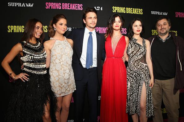"Vanessa James「Premiere For ""Spring Breakers"" - Red Carpet」:写真・画像(19)[壁紙.com]"