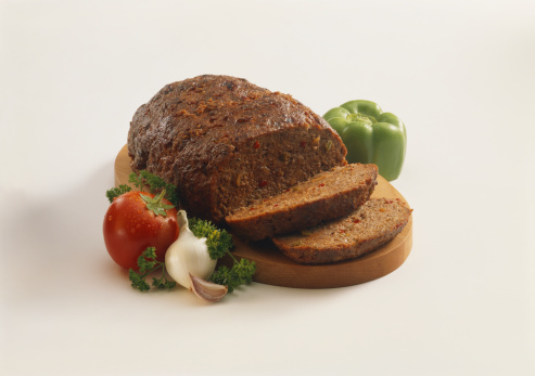Garlic Clove「Meat loaf with tomato and ingredients, close-up」:スマホ壁紙(9)