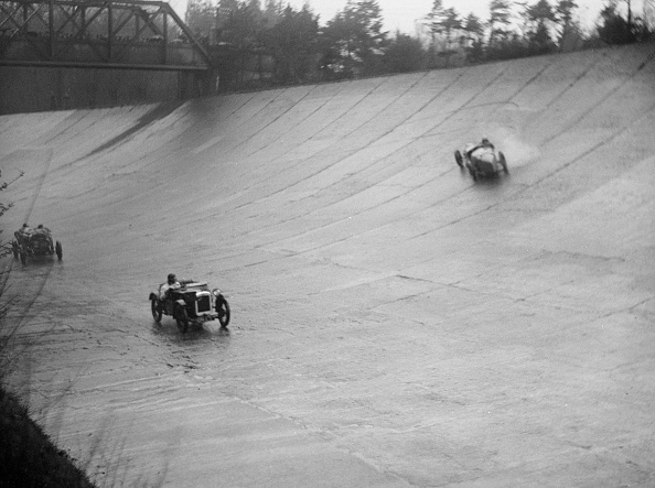 Race Car Driver「Austin 7 and the spinning Riley of HL Roberts, BARC Mountain Race, Brooklands, Surrey, 1931」:写真・画像(8)[壁紙.com]