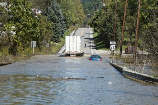 Pennsylvania「Flash Flooded Road High Water Emergency」:スマホ壁紙(8)