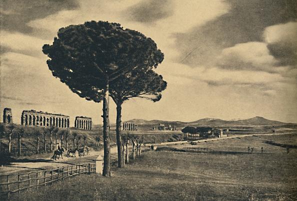 Appian Way「Roma - Neio Appian Way - Ruins Of The Aquaduct Of Claudius The Alban Hills 1910」:写真・画像(3)[壁紙.com]