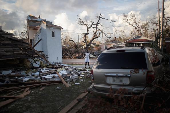 Scott Olson「Recovery Efforts Continue In Hurricane-Ravaged Florida Panhandle」:写真・画像(12)[壁紙.com]