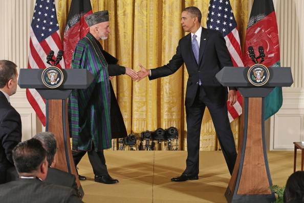 US President「Obama And Afghan President Karzai Hold Joint News Conf. At White House」:写真・画像(9)[壁紙.com]
