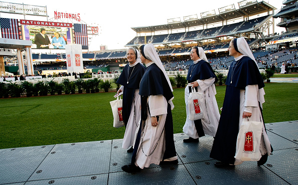 Religious Mass「Pope Benedict XVI Celebrates Mass At Nationals Stadium」:写真・画像(13)[壁紙.com]