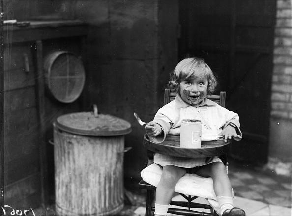 Snack「Child Eating Jam」:写真・画像(12)[壁紙.com]