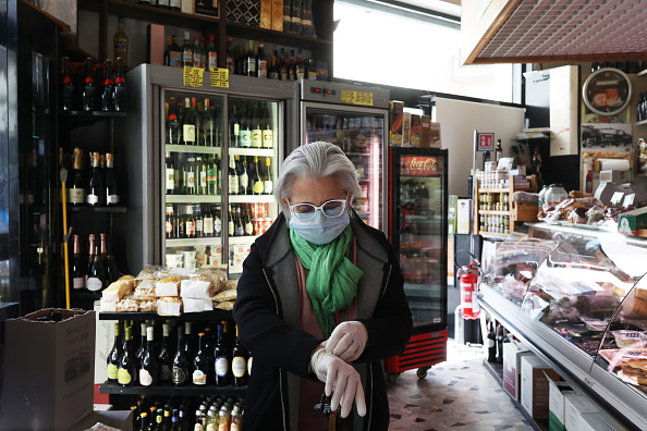 Italy「Italy Extends Emergency Measures Nationwide As Coronavirus Death Toll Jumps」:写真・画像(8)[壁紙.com]
