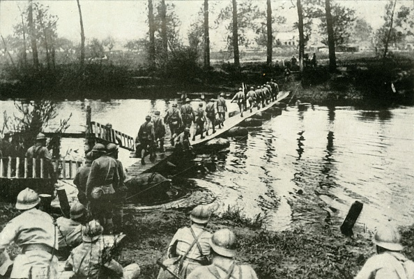 Physical Geography「French Troops Crossing A River」:写真・画像(19)[壁紙.com]