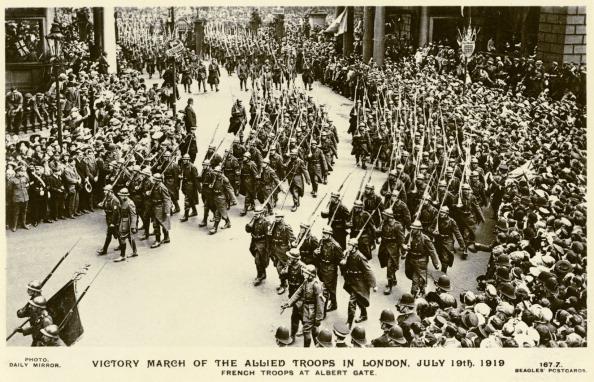 City Life「French Troops at Albert Gate, London, 1918」:写真・画像(7)[壁紙.com]