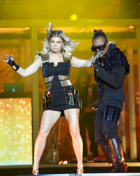 Fingerless Glove「Black Eyed Peas Perform In Concert In Madrid」:写真・画像(2)[壁紙.com]