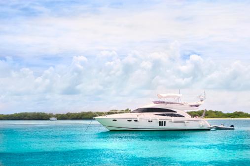 Island「Luxury Yachts anchored in a tropical exotic island beach」:スマホ壁紙(19)