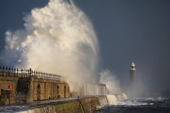 波「Towns On Britain's East Coast Under Threat Of Flooding From A Coastal Surge」:写真・画像(14)[壁紙.com]