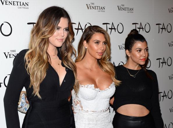 Sister「Kim Kardashian Celebrates Her Birthday At Tao Nightclub」:写真・画像(7)[壁紙.com]