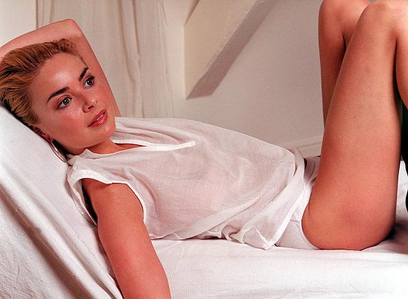 Lingerie「Gail Porter」:写真・画像(5)[壁紙.com]