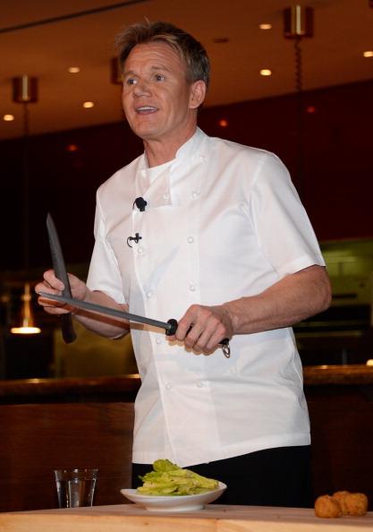 Salad「Gordon Ramsay Steak Opening News Conference」:写真・画像(3)[壁紙.com]