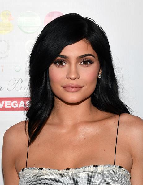 カイリー・ジェンナー「Kylie Jenner Appearance At Sugar Factory American Brasserie」:写真・画像(8)[壁紙.com]