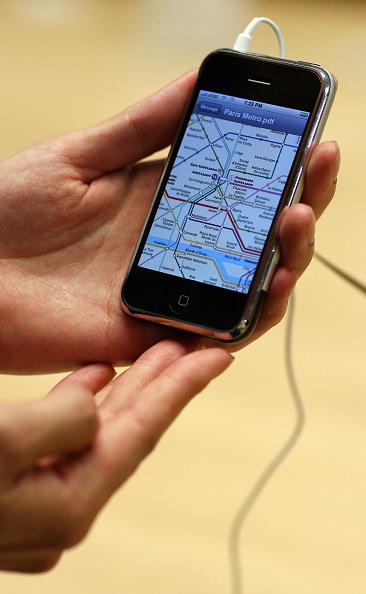 Michael Nagle「Long-Awaited Apple iPhone Goes On Sale Across U.S」:写真・画像(14)[壁紙.com]