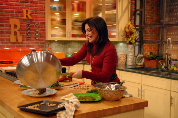 Cooking「Rachael Ray Welcomes Montel Williams To Her Show」:写真・画像(5)[壁紙.com]