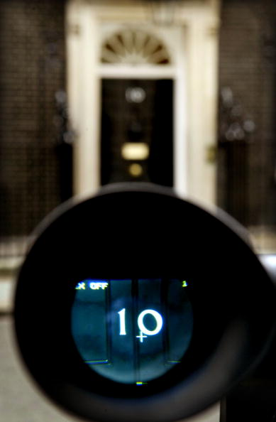 Front Door「Media Focus Fixed On Downing Street As Pressure Mounts On Blair  」:写真・画像(8)[壁紙.com]