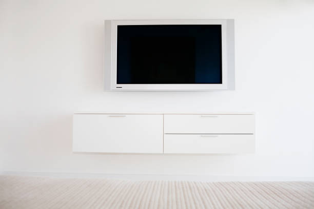 Television and entertainment center in modern living room:スマホ壁紙(壁紙.com)