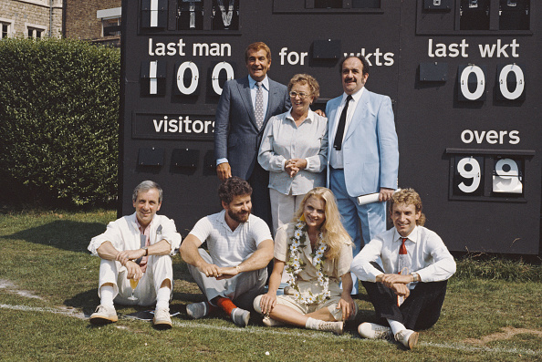 スポーツ用品「Celebrity Cricket」:写真・画像(7)[壁紙.com]