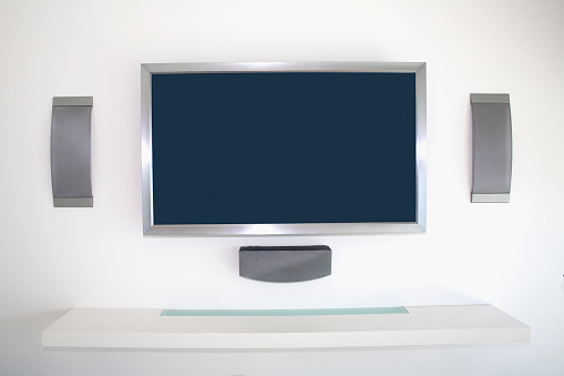 Gulf Coast States「Television and speakers in modern living room」:スマホ壁紙(15)