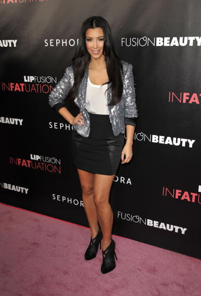 "Scooped Neck「Kim Kardashian And Fusionbeauty Launch ""Infatuation"" Lip Gloss Line」:写真・画像(13)[壁紙.com]"