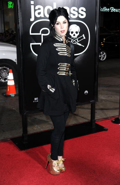 "Overcoat「Premiere Of Paramount Pictures And MTV Films' ""Jackass 3D"" - Arrivals」:写真・画像(11)[壁紙.com]"