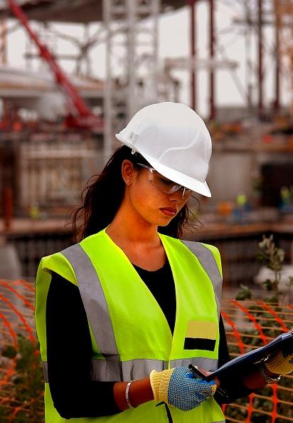 Reflective Clothing「Female Site Worker, Terminal 5, Heathrow Airport Construction, London, UK」:写真・画像(1)[壁紙.com]